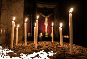 Maria Lichtmess Kerzen in Kirche