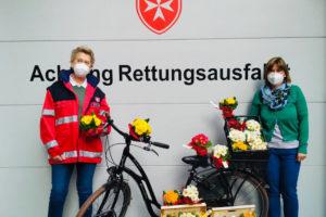 Malteser Tirol Blumengruss fuer Betreute Jaegerbauer 3