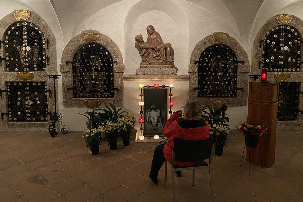 Malteser Tirol Besuch der Ostergraeber 6